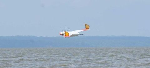 Nature, Flight, Water resources, Liquid, Waterway, Atmosphere, Wind, Fluid, Wing, Windsports,