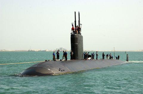 Human, Watercraft, Water, Submarine, Waterway, Ballistic missile submarine, Ocean, Sea, Naval ship, Navy,