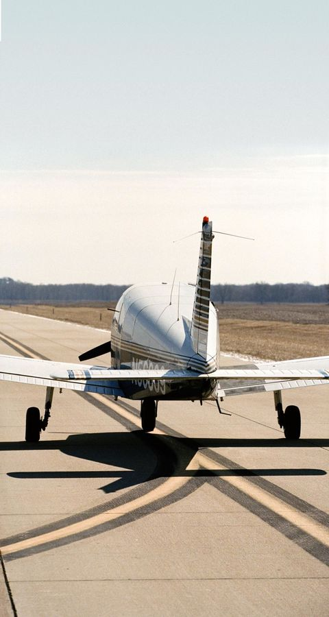 Airplane, Aircraft, Technology, Aerospace engineering, Plain, Aviation, Machine, Aircraft engine, Space, Rolling,