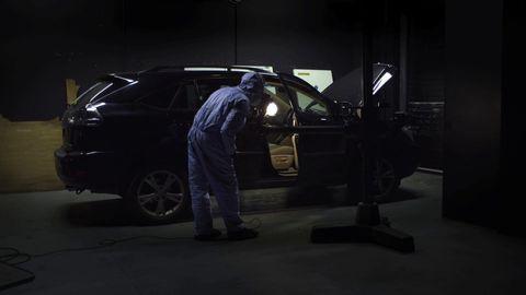 Tire, Wheel, Automotive design, Automotive tire, Vehicle door, Automotive wheel system, Automotive exterior, Fender, Alloy wheel, Auto part,