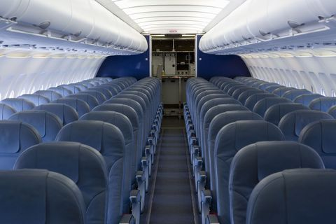 Mode of transport, Transport, Aircraft cabin, Air travel, Airline, White, Service, Aisle, Aerospace engineering, Airliner,