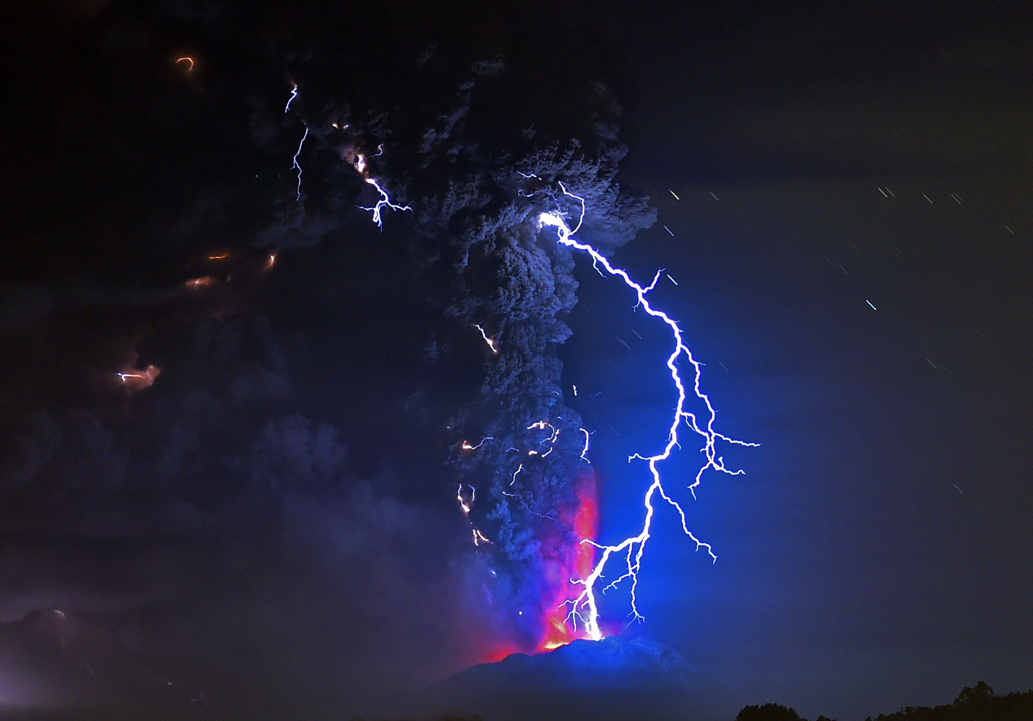 Watch Chile's Calbuco Volcano Erupt for the First Time in 42 Years
