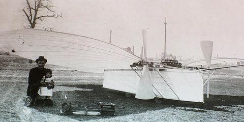 Monochrome photography, Black-and-white, Monochrome, Watercraft, Machine, Naval architecture, Water transportation, Ship, Guitar, Naval ship,