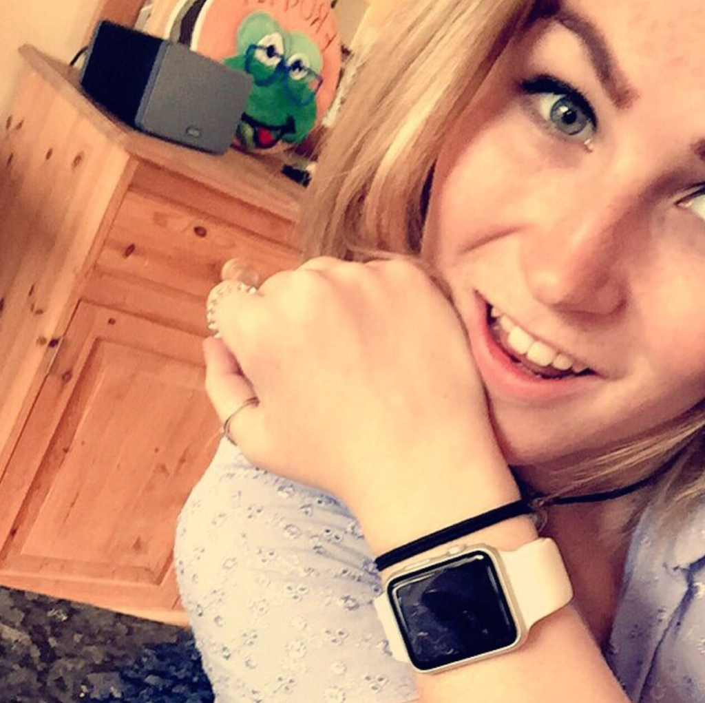 How a Deafblind Girl Changed Her Life With an Apple Watch