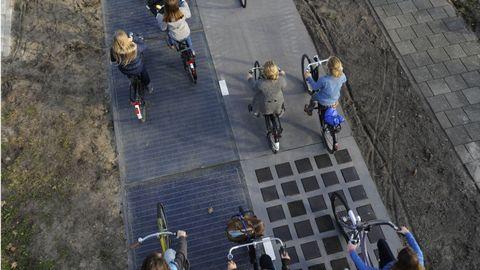Pedestrian, Lane, Sidewalk, Games, Walking, Shadow,