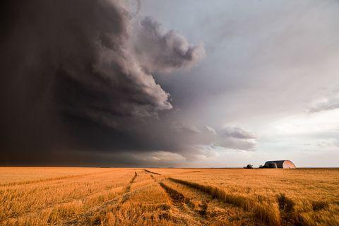 Twister Tech: 5 Ways to Spot Tornadoes Early
