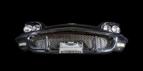 Automotive exterior, Grille, Automotive lighting, Headlamp, Light, Bumper, Automotive light bulb, Classic car, Luxury vehicle, Classic,
