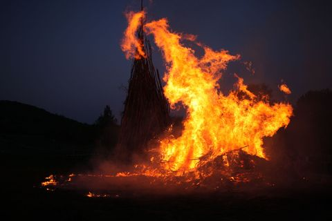Event, Flame, Fire, Atmosphere, Heat, Orange, Amber, Geological phenomenon, Pollution, Gas,
