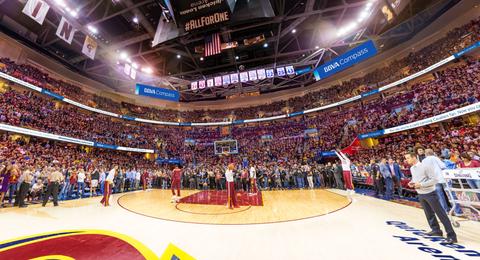 Sport venue, Basketball court, Field house, Sportswear, Basketball player, Basketball, Crowd, Jersey, Stadium, Audience,