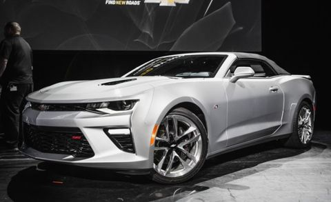 It's official: the new 2016 Chevrolet Camaro is flipping its lid. While this is perhaps near the delay of the Tesla Model 3 at the bottom of the scale of surprising automotive news, it is far more pleasing to hear.