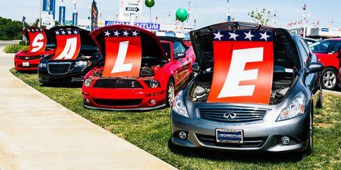 Motor vehicle, Vehicle, Hood, Grille, Headlamp, Automotive design, Car, Automotive exterior, Automotive lighting, Bumper,