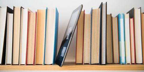 5 Tips For Hanging A Perfect Bookshelf
