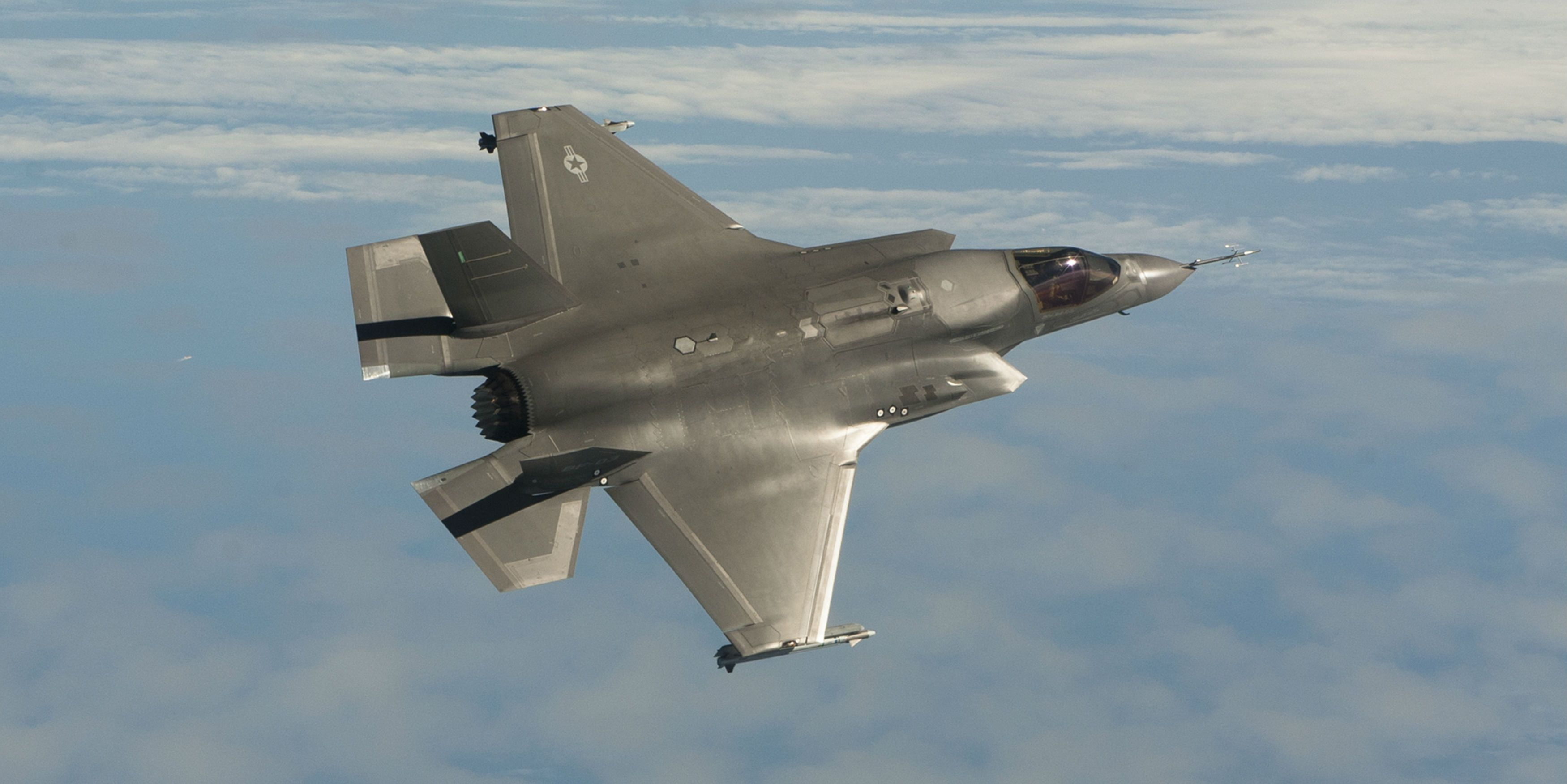 Test Pilot: The F-35 Can't Dogfight Worth a Damn
