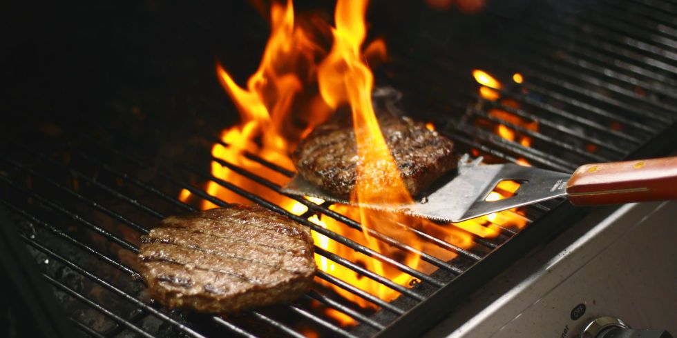 This Might Be The Coolest Burger-Grilling Trick of All Time