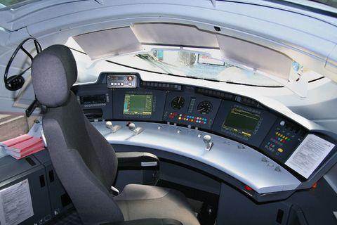 Mode of transport, Transport, Aerospace engineering, Machine, Gauge, Speedometer, Aviation, Air travel, Cockpit, Steering wheel,