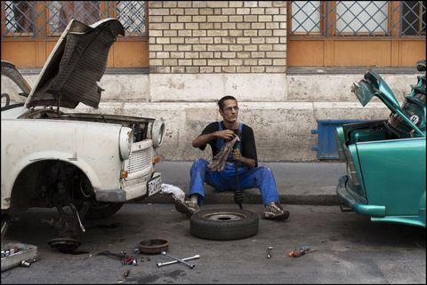 Motor vehicle, Tire, Automotive tire, Automotive design, Automotive wheel system, Automotive exterior, Fender, Auto part, Tread, Synthetic rubber,