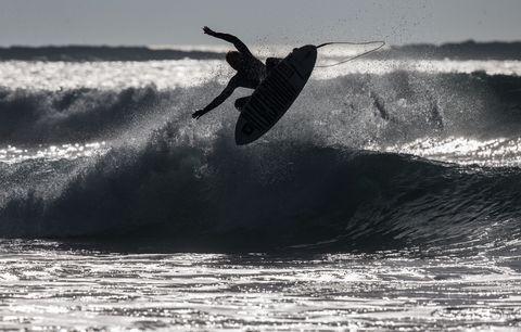 Surfboard, Surfing Equipment, Fluid, Liquid, Surface water sports, Wave, Boardsport, Ocean, Extreme sport, Wind wave,