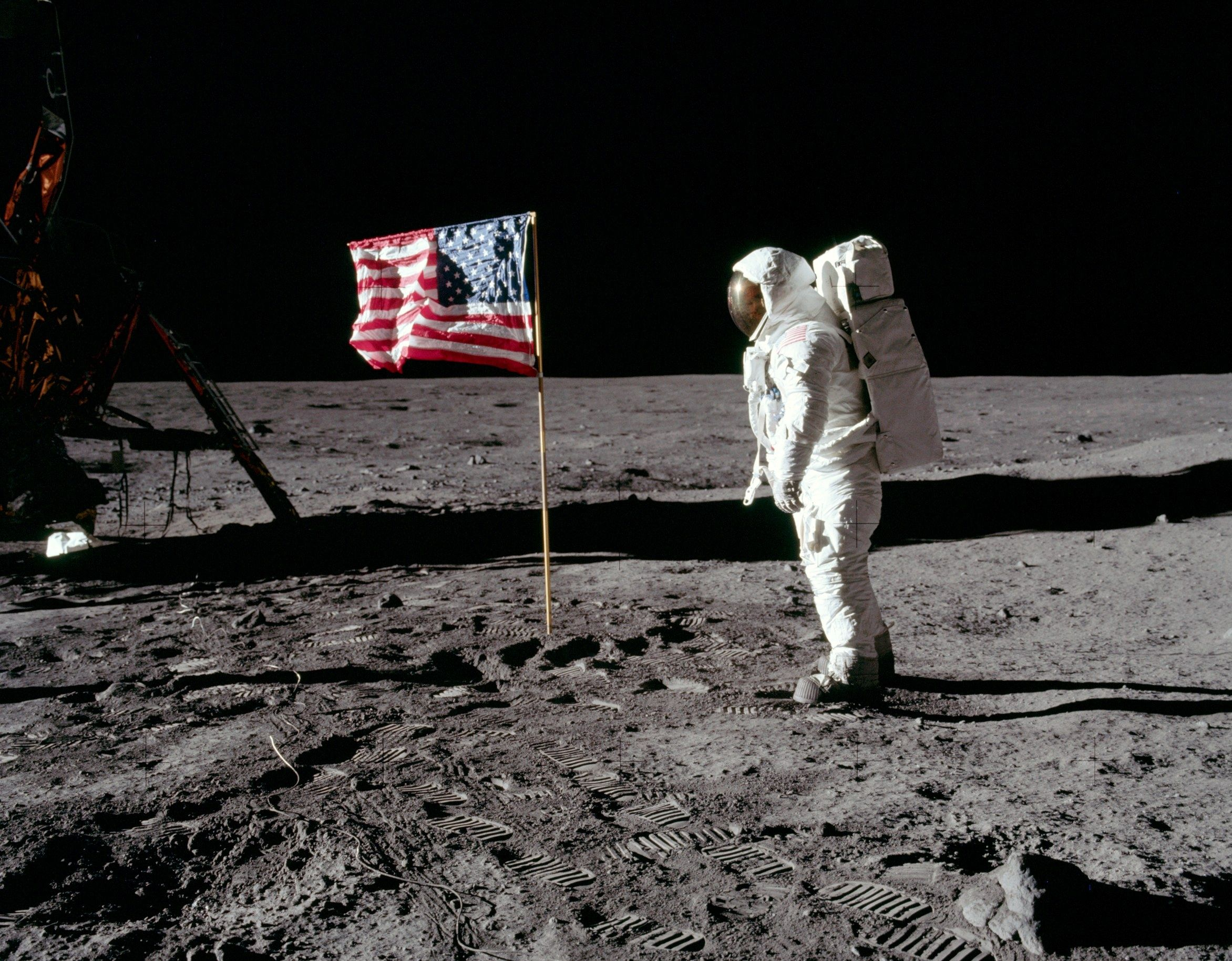 one giant leap extraordinary story of the moon landings