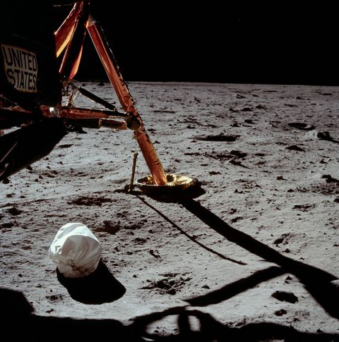 How Apollo Astronauts Took Out the Trash