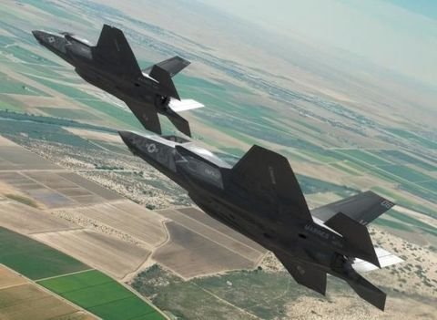 Aircraft, Airplane, Military aircraft, Jet aircraft, Vehicle, Fighter aircraft, Air force, Lockheed martin f-22 raptor, Lockheed martin fb-22, Lockheed martin f-35 lightning ii,