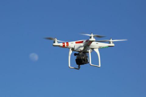 Sky, Aircraft, Aviation, Aerospace engineering, Aircraft engine, Airplane, Wing, Air travel, Flight, Propeller,