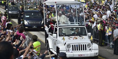 Pope Francis Will Tour America in a Badass Jeep Wrangler Popemobile