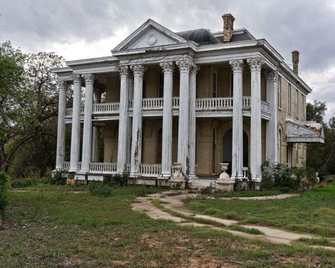 "<p>This abandoned mansion in Gonzales could be haunted for two reasons. First, just the facade of the house is eerie, yet some people call it ""gorgeous."" Second, it was built near the first battle of the Texas Revolution on Oct. 2, 1835.</p>"