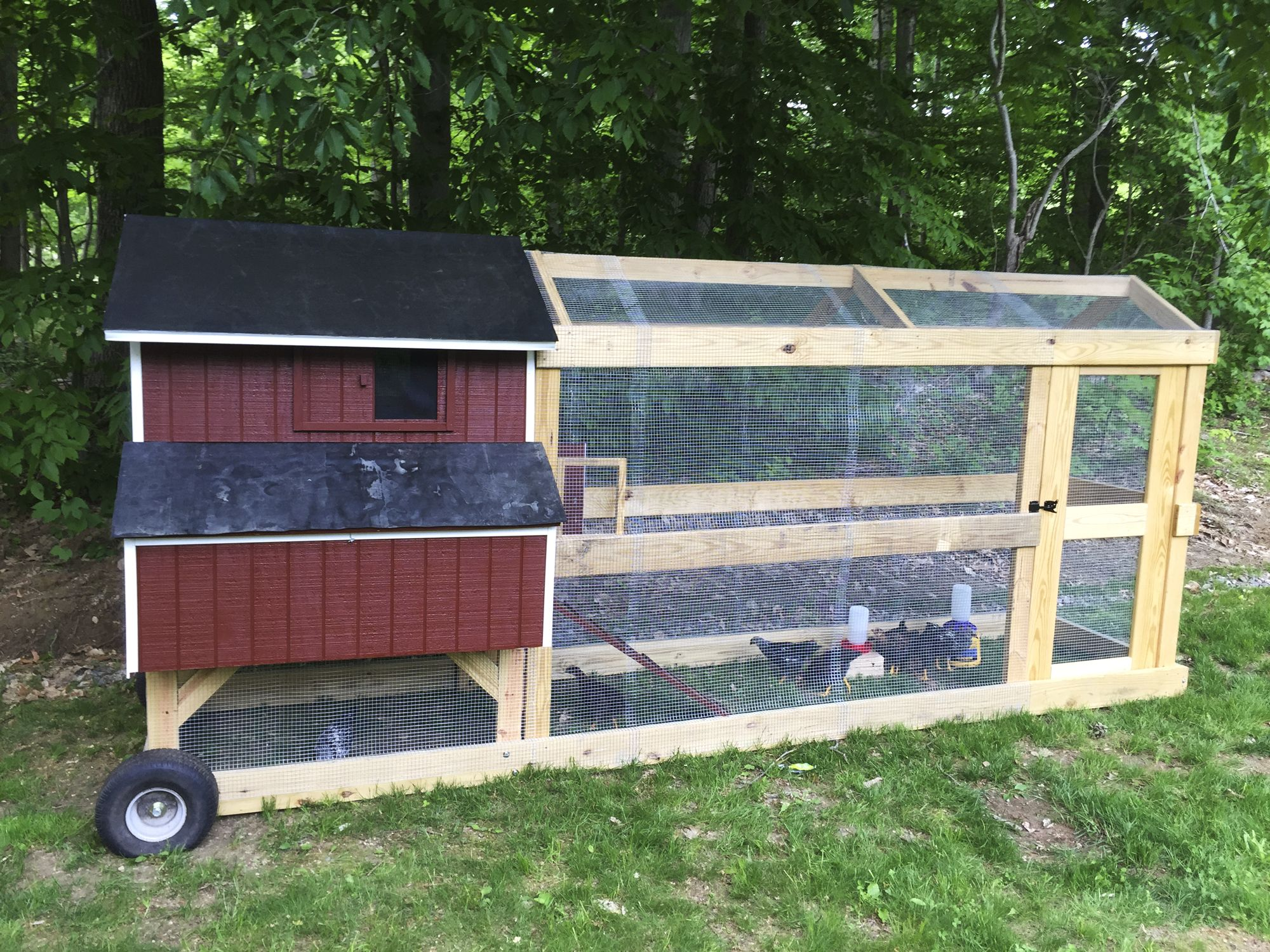 This Guy Built A Brilliant Chicken Coop On Wheels