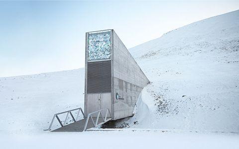 Slope, Ecoregion, Winter, Freezing, Geological phenomenon, Snow, Ice cap, Ice, Tundra,