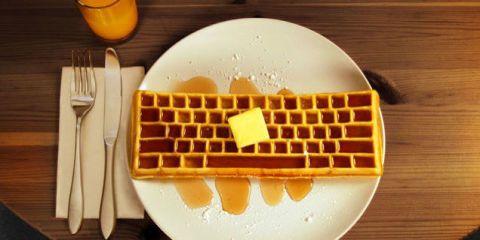 Dishware, Food, Serveware, Belgian waffle, Tableware, Cutlery, Breakfast, Kitchen utensil, Waffle, Dish,