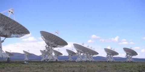 Telecommunications engineering, Sky, Antenna, Technology, Electronic device, Radio telescope, Radar, Cellular network, Electronics accessory, Broadcasting,