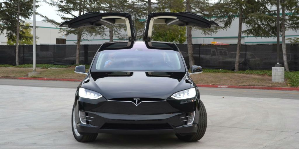 Gullwing doors (or falconwing doors if you must) like the ones on the new Tesla Model X are undeniably cool. But theyu0027re more than just some flashy design ... & Why There Arenu0027t More Cars With Gullwing Doors