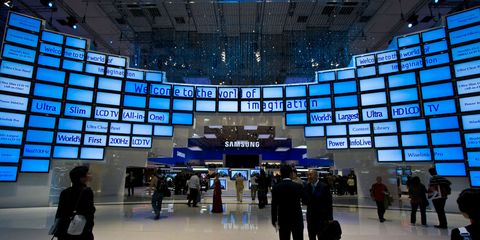 Display device, Commercial building, Airport, Travel, Luggage and bags, Cobalt blue, Baggage, Electronics, Signage, Service,