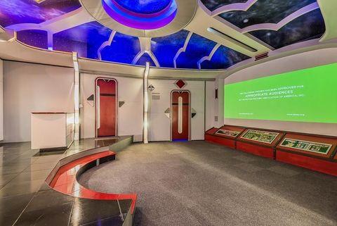 Interior design, Ceiling, Floor, Purple, Hall, Space, Interior design, Decoration, Lobby, Ceiling fixture,