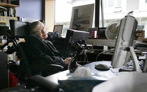 Stephen Hawking Envisions the Worker Robot Apocalypse