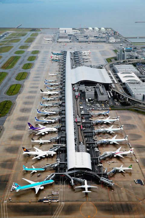 Aircraft, Airport, Airport apron, Aerial photography, Aerospace engineering, Airplane, Aviation, Airline, Transport hub, Air travel,