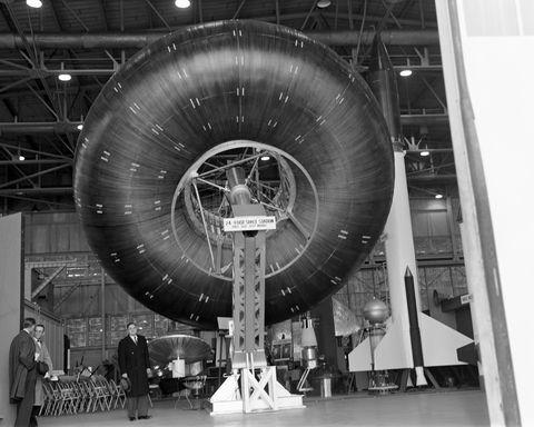 Aerospace engineering, Engineering, Machine, Space, Monochrome, Monochrome photography, Black-and-white, Aircraft, Aerospace manufacturer, Aircraft engine,
