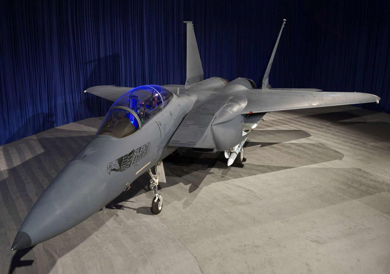 "Boeing's Stealthy F-15 ""Silent Eagle"" May Fly After All"