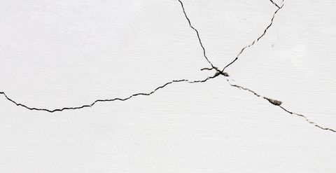 repair drywall crack between wall and ceiling