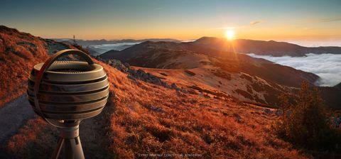 Natural landscape, Mountainous landforms, Sun, Landscape, Sunrise, Horizon, Highland, Sunlight, Sunset, Hill,