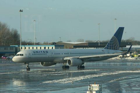 united-airliner.jpg