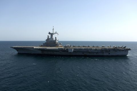 Watercraft, Naval ship, Water, Boat, Horizon, Warship, Navy, Liquid, Ocean, Naval architecture,