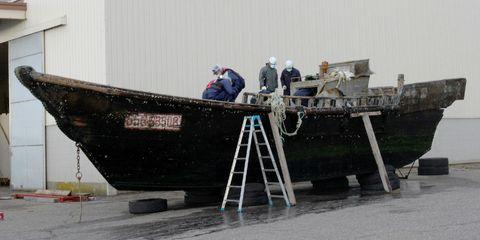 Ladder, Naval architecture, Workwear, Blue-collar worker, Construction worker, Hard hat, Tradesman, Water transportation, Boat, Engineer,