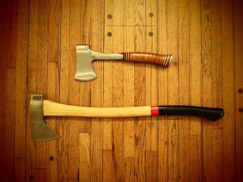 the difference between an axe and a hatchet explained