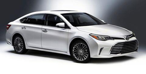 Wheel, Automotive design, Mode of transport, Product, Vehicle, Event, Car, Headlamp, Alloy wheel, Automotive lighting,