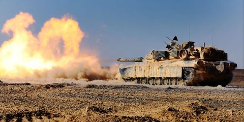 <p>An M1A1 Abrams Main Battle Tank with 24th Marine Expeditionary Unit, fires its 120 mm smoothbore cannon during a live-fire event as part of Exercise Eager Lion 2015 in Jordan.</p>