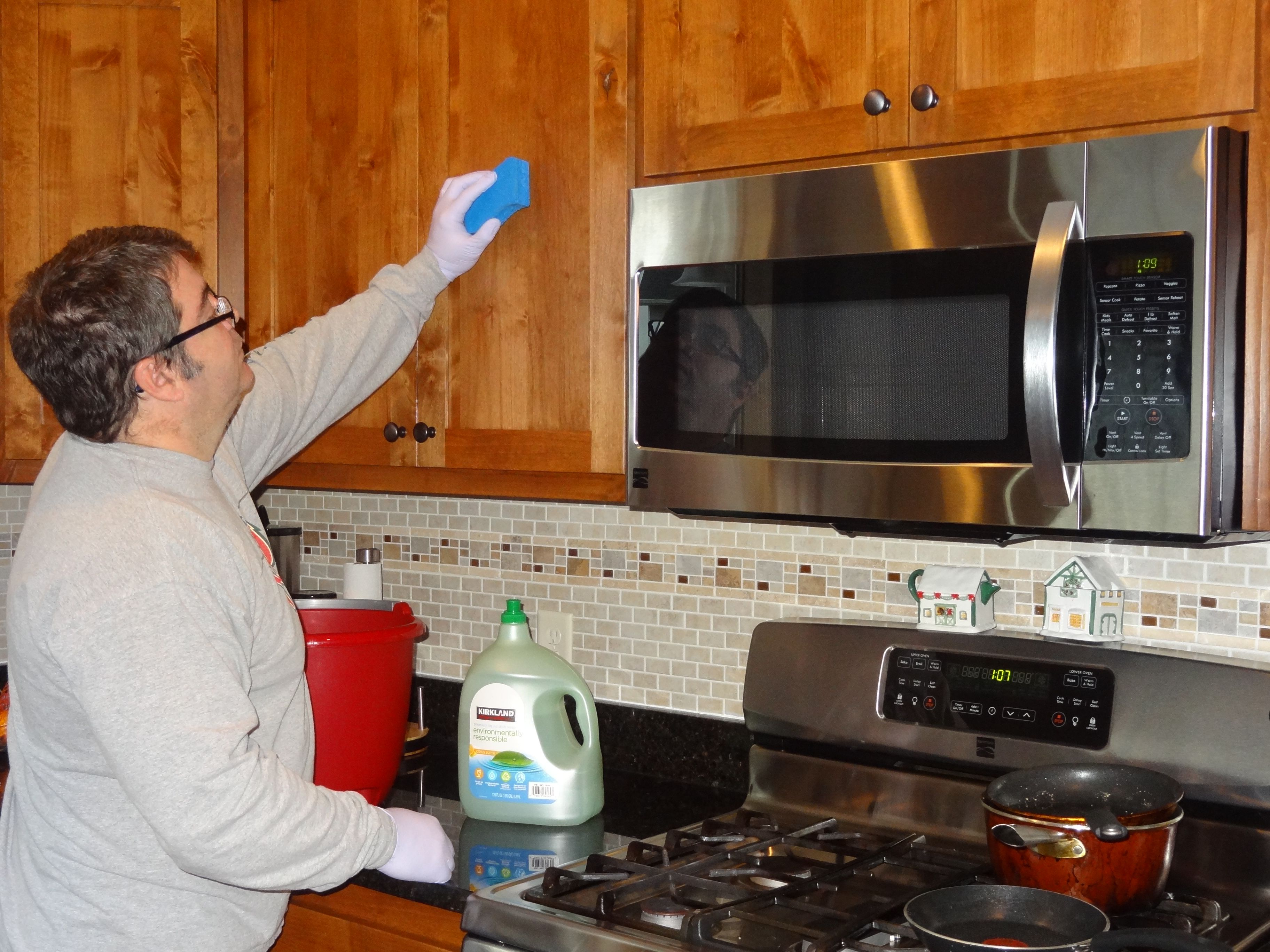 With All The Cooking And Frying That Goes On In The Kitchen, Grease Gets  Splattered Onto Cabinets And Steam Leaves A Film On Wooden Surfaces.