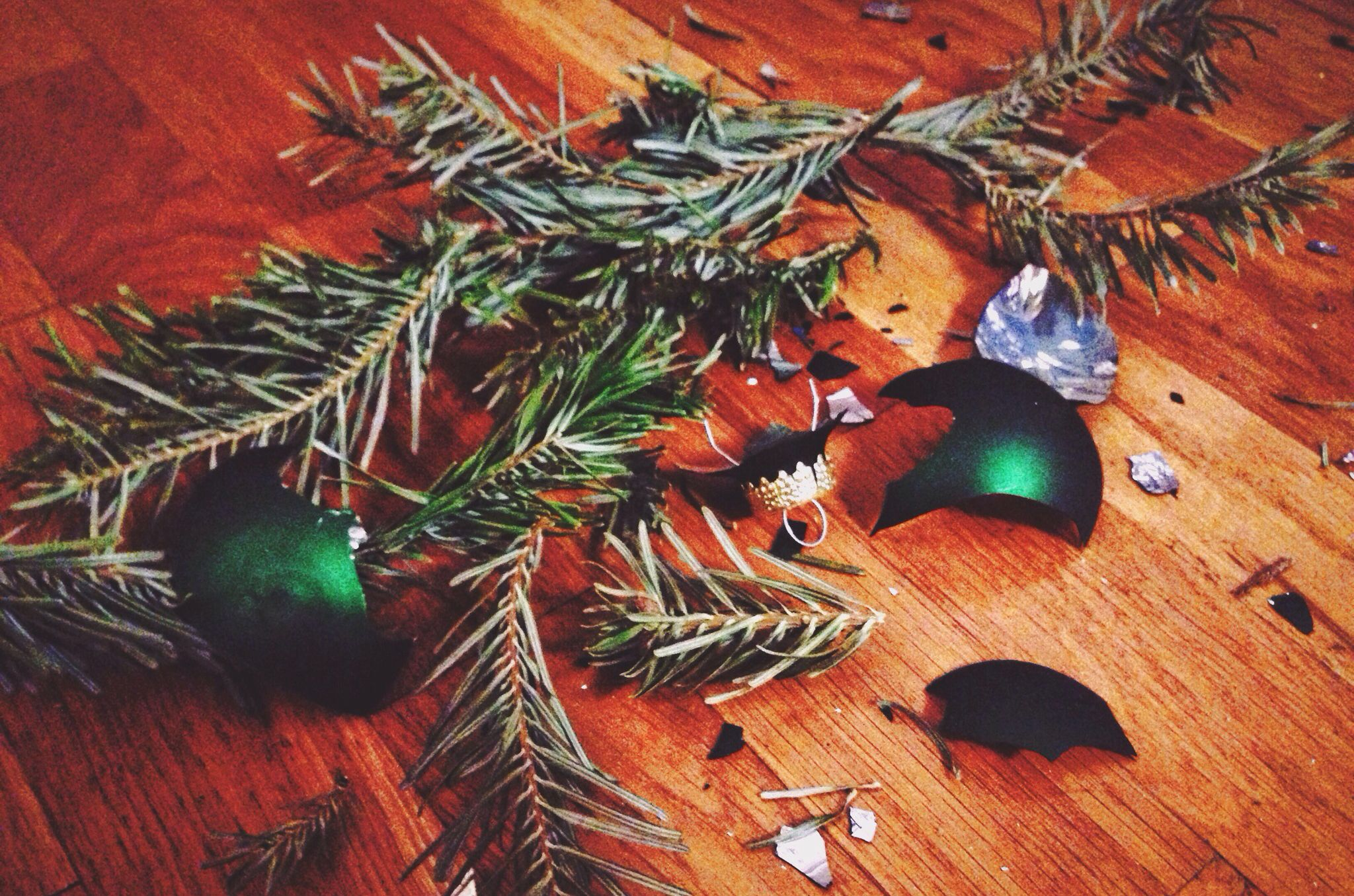 12 Things You Shouldn't Throw Away After Christmas