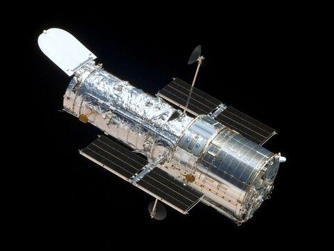 Space, Cylinder, Silver, Engineering, Spacecraft, Telecommunications engineering,