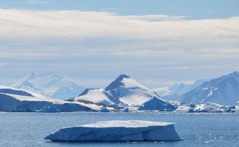 Winter, Ice, Sea ice, Freezing, Ice cap, Polar ice cap, Ocean, Glacial landform, Arctic ocean, Snow,